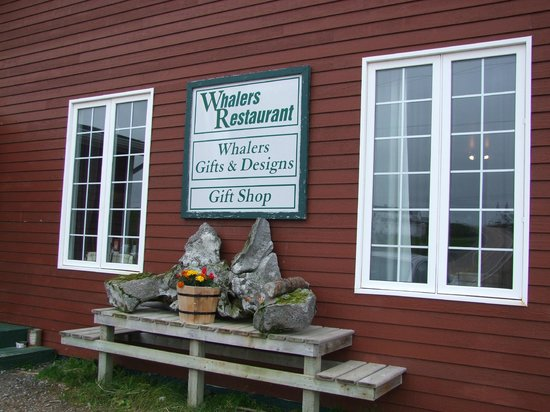 Whalers Restaurant: Real Labrador cuisine and atmosphere.