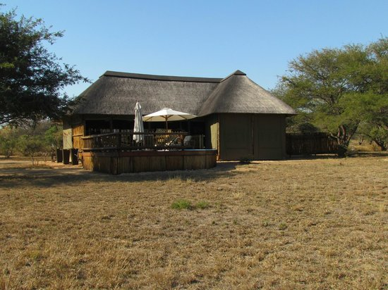nThambo Tree Camp : back of the lodge