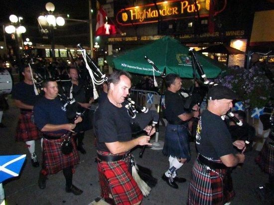Highlander Pub: Happy Atmosphere