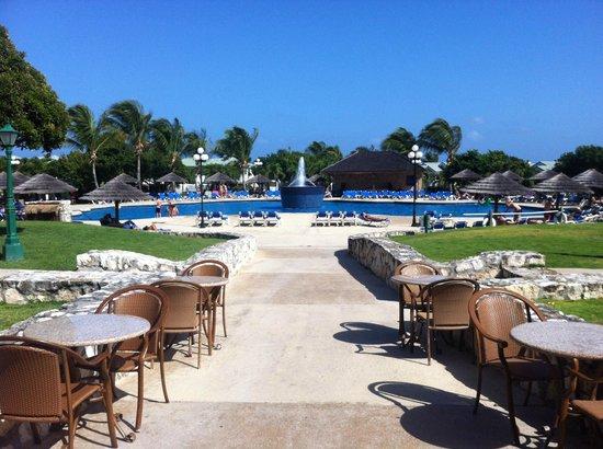 The Verandah Resort & Spa : Main pool from the bar