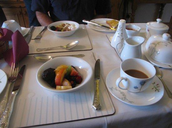 Adare Guesthouse: breakfast beginnings