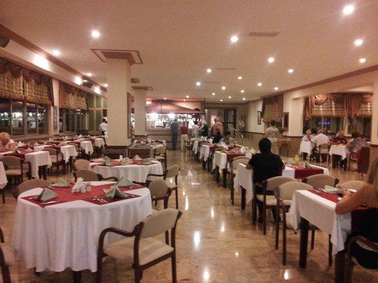 Dinler Hotels - Alanya: Kitchen