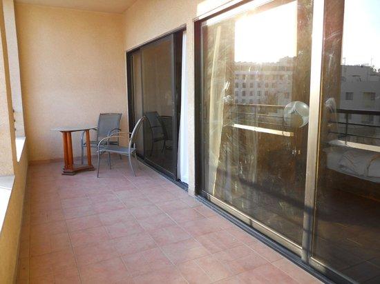 Days Hotel Aqaba: terraza