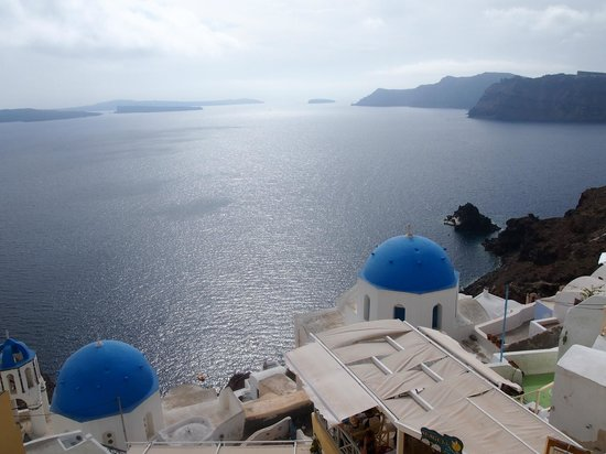 Terpsi in Oia: the view from the restaurant lvl 2