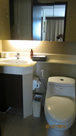 Lohas Residences Sukhumvit : bathroom