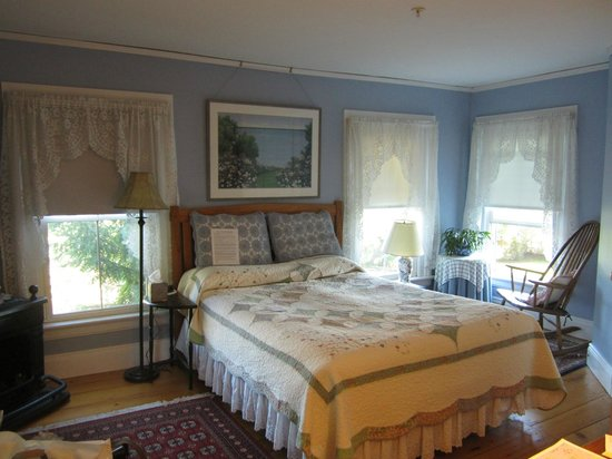 Black Lantern B & B: Our beautiful bedroom