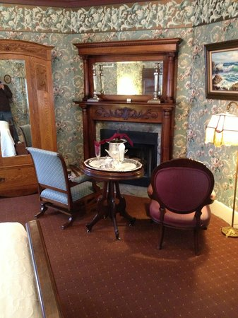 Martine Inn : Mahogany Room