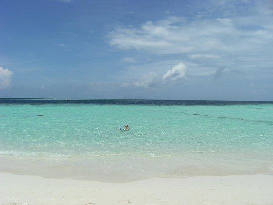 Biyadhoo Island Resort : mare stupendo