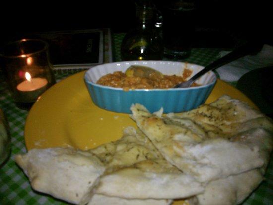 Rescoldos Mediterranean Bistro: Hummus - hillcountrynetradio dot com