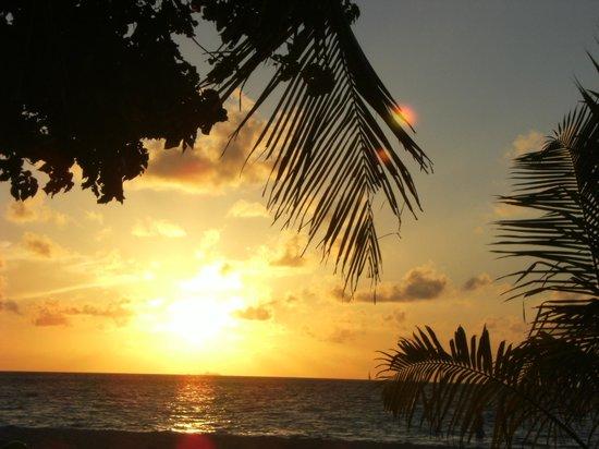 Biyadhoo Island Resort: tramonto