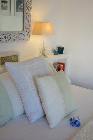Es Cucons Hotel Rural : Lit chambre nr9