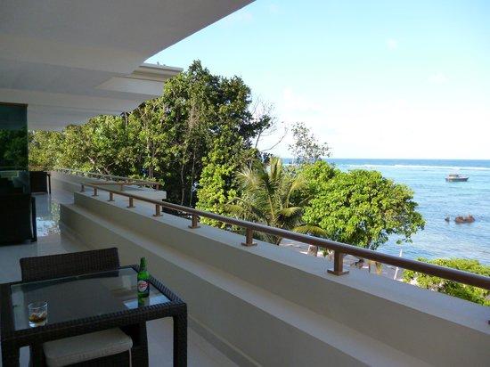 Crown Beach Hotel : Common Balcony