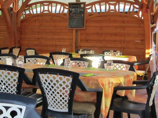 Hotel au Soleil: Terrassenrestaurant