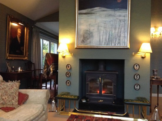 Knockbain House : Lovely lounge with log burner