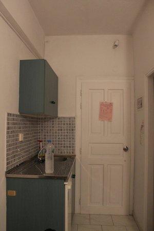 Loukia Apartments & Studios : La zona cucina