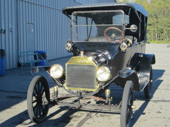 Owls Head Transportation Museum : a 1918 Model T car - we had a ride in this!