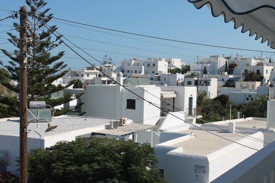 Loukia Apartments & Studios: La vista su Naoussa