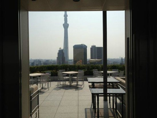 THE GATE HOTEL Asakusa Kaminarimon by HULIC: 宿泊者専用テラス