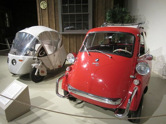 Owls Head Transportation Museum: small cars