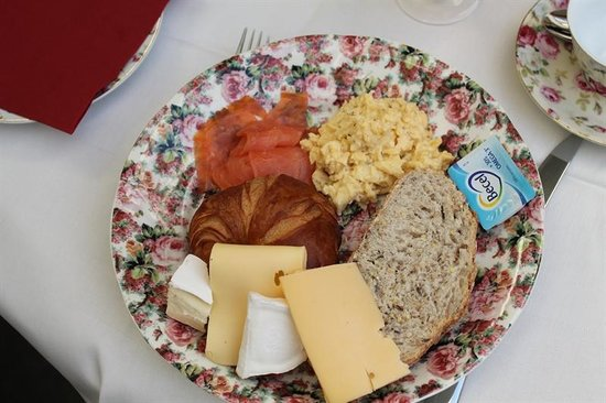 Bed & Breakfast Gallery Yasmine : This is how a good breakfast looks!