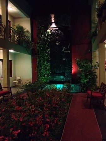 Hotel Jardin de Iguazu: jardin interior