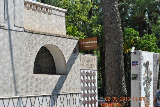 Jardín Artístico Nacional Huerto Del Cura: вход