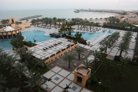 Hilton Ras Al Khaimah Resort & Spa : View of the Swimming Pool