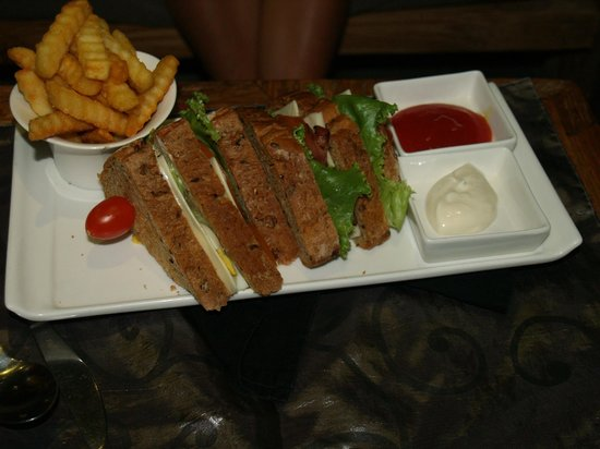 Sri Ratih Cafe & Jewelry: club sandwich