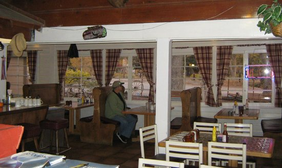 Ranch House Cafe: Road House Cafe Olancha