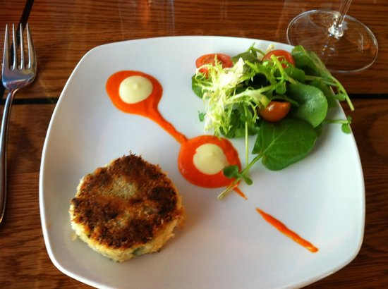 Ray's Cafe: Dungeness Crab Cake Appetizer