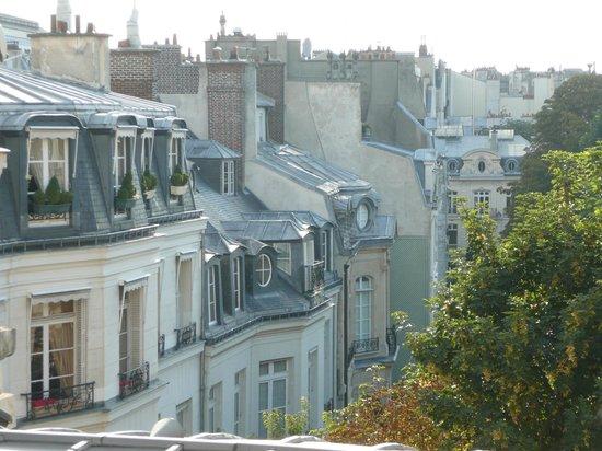 Hotel le Bellechasse : Looking towards Notre Dame