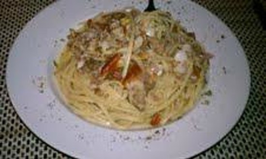 Mediterraneo Restaurant: Linguine with clams