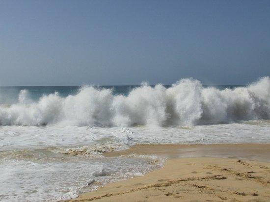 Hotel Riu Touareg: the crashing waves