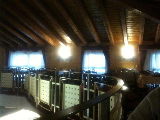 Hotel Riz : Sala mansardata per la colazione