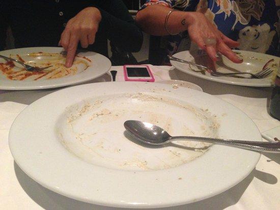 Conchiglia: 3 empty plates..finger licking good!