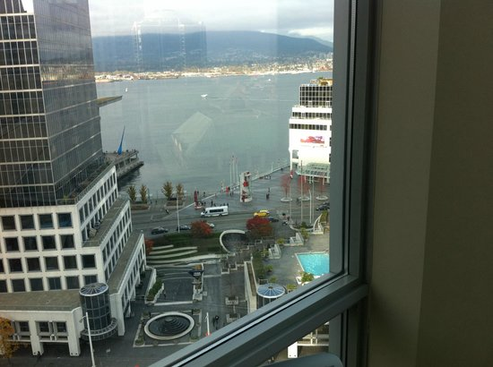 Auberge Vancouver Hotel: View of harbour
