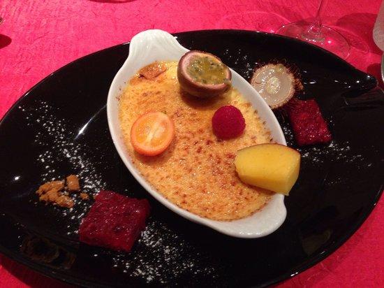 Auberge de la Lande: Creme brûlée. Just simple vanilla, not messed with. Very good