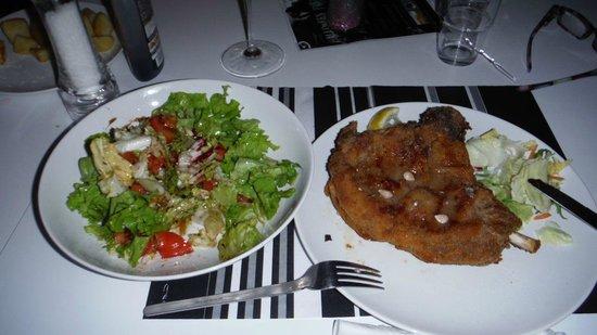 Sofia Lounge Bar & Restaurant: cotolettona panata