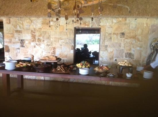 Motswari Private Game Reserve: A light lunch for ten!
