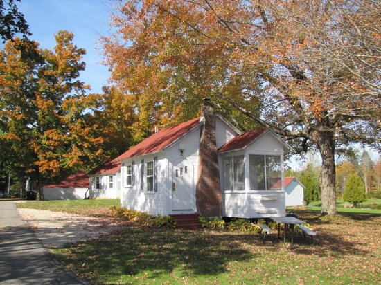 Eden Village Motel and Cottages: un cottage