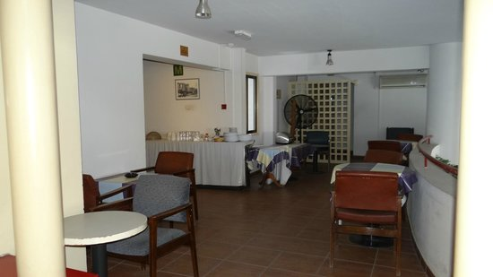 Frangiorgio Hotel Apartments: The breakfast lounge on the mezzanine