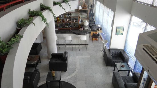 Frangiorgio Hotel Apartments: The bar and the lobby