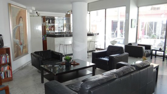 Frangiorgio Hotel Apartments: Lounge and bar area