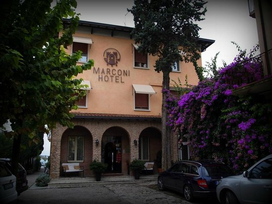 Hotel Marconi: Hotel front