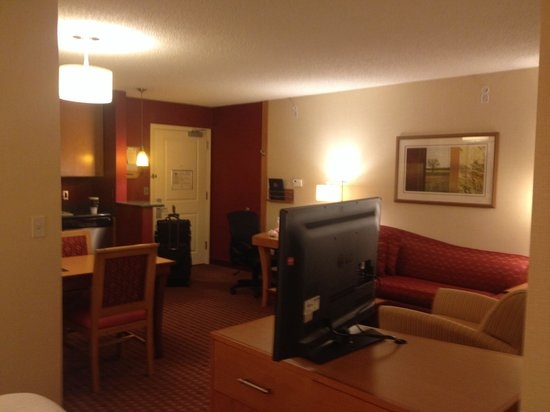 Residence Inn Bridgewater Branchburg: Room 330