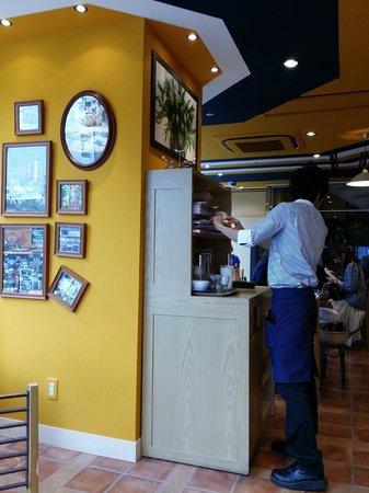 L'OCCITANE CAFE: Beautiful interior at L'Occitaine Cafe