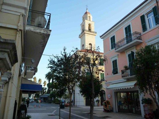 Hotel Metropol : Im Zentrum von Diano Marina