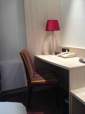 Best Western Jardin De Cluny: Room 506