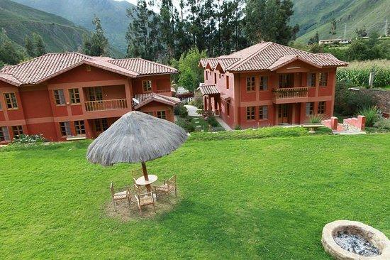 Pakaritampu Hotel: ホテル パカリタンプ     Av. Ferrocarril s/n, Ollantaytambo, ペルー