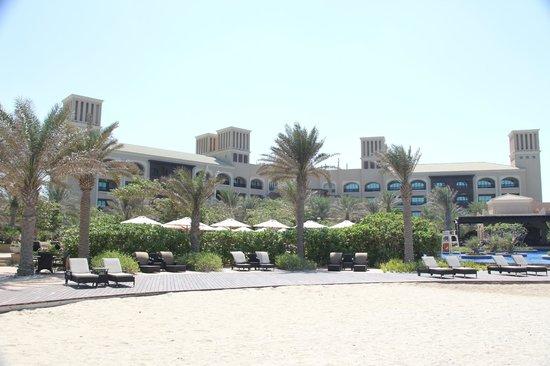Anantara Desert Islands Resort & Spa: Hotel building